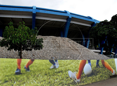 View of Maracana stadium under refurbishment works as part of the preparation for the 2014 FIFA World Cup,  Rio de Janeiro, Brazil, March 31, 2011. (Austral Foto/Renzo Gostoli)