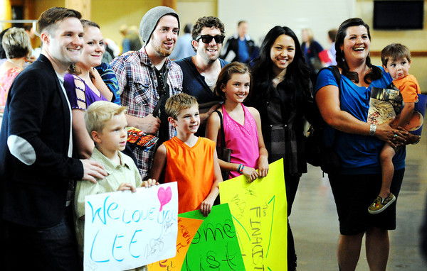 Globe/T. Rob Brown<br /> Top-10 finalists from American Idol pose for pictures Monday afternoon, May 7, 2012, at the Branson Airport with fans. Finalists, from left: Blake Lewis, Lee Dewyze, Elliot Yamin and Thia Magia.