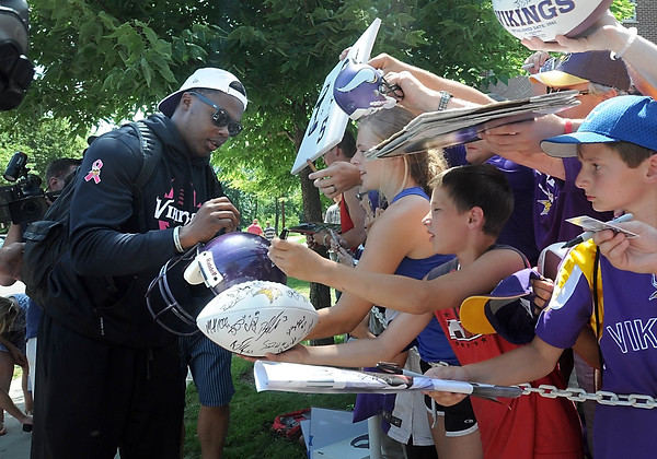 Vikings arrive for training camp