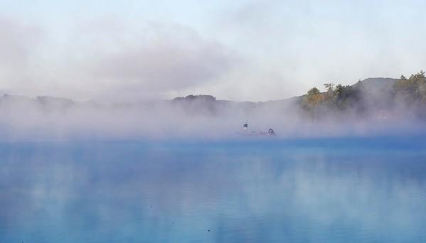 Morning Mist at Cheshire Lake-071918