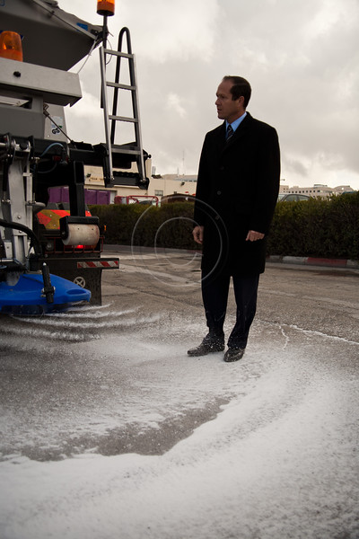 Jerusalem Mayor Nir Barkat inspects municipal preparedness for forecasted snow tonight at Municipal Maintenance Center in Givat Shaul. Jerusalem, Israel. 09/03/2011.