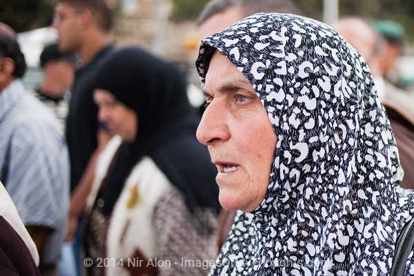 Palestinian woman at Bab Al-Amud Damascus Gate. Jerusalem, Israel. 13/05/2011.
