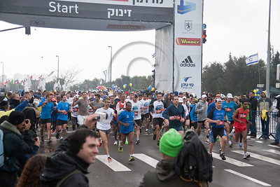 21Km Half Marathon begins with 2,600 runners including Jerusalem Mayor Nir Barkat. Some 600 of the runners in this race have arrived from abroad to take part. Jerusalem, Israel. 16-Mar-2012.