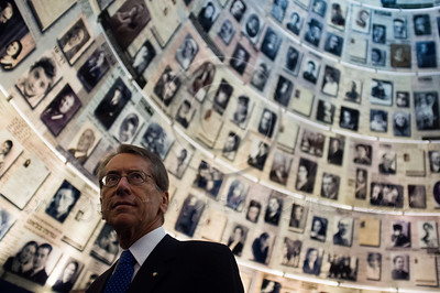 Italian Foreign Minister Gulio Terzi gazes up at enlarged Pages of Testimony displayed on the ceiling of the Hall of Names at Yad Vashem.. Jerusalem, Israel. 5-September-2012.  Italian FM Gulio Terzi visits Yad Vashem Holocaust Museum. The Foreign Minister toured the museum, participated in a memorial ceremony and signed the museum guest book.