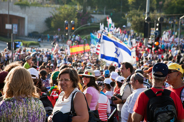 An estimated ten thousand people march in the annual Jerusalem Parade including participating delegations from around the world, Israeli industry, banks and military personnel. Jerusalem, Israel. 4-October-2012.