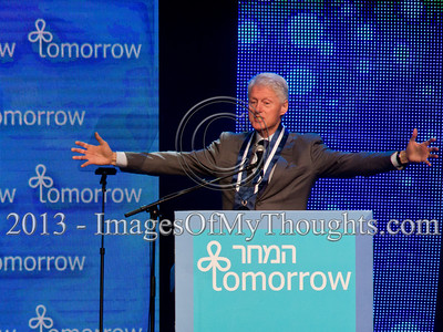 Bill Clinton Receives Israeli Presidential Medal of Distinction