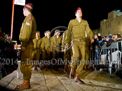Paratroopers Brigade Basic Trainees Swear Allegiance at the Kotel