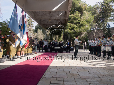 Peres Welcomes Peruvian President to Israel