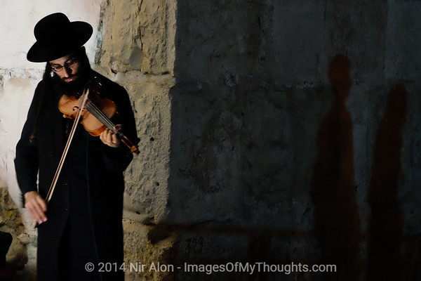 Violinist Plays at Jerusalem's Jaffa Gate