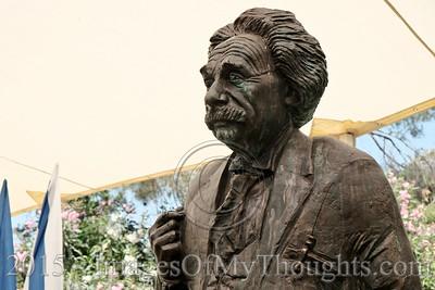 Hebrew University Unveils Statue of Einstein in Jerusalem, Israel