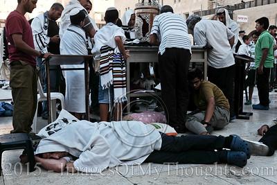Jews Mourn Destruction of Temples on Tisha B'Av in Jerusalem, Israel