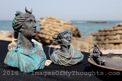 Divers Uncover Ancient Shipwreck Cargo in Caesarea, Israel
