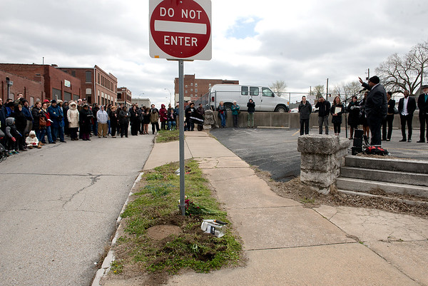 The memory of lynching victim Thomas Gilyard is remembered during a ceremony at Second and Wall on Sunday.<br /> Globe   Roger Nomer