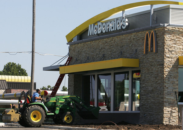 Globe/Roger Nomer<br /> Construction is almost complete on the new McDonalds restaurant on Rangeline Road on Tuesday.
