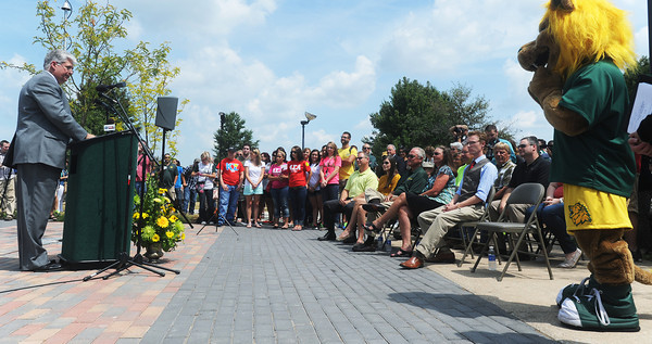 Globe/Roger Nomer<br /> Missouri Southern Interim President Alan Marble addresses the crowd before Monday's unveiling of the Lion Icon statue.