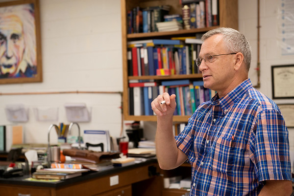 Globe/Roger Nomer<br /> Bobby Stafford teaches a physical science class on Tuesday at East Newton High School.