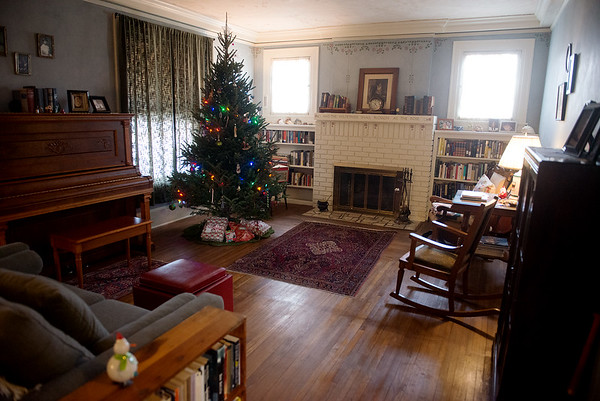 Globe/Roger Nomer<br /> The Sullivans have prepared their living room for the holidays.