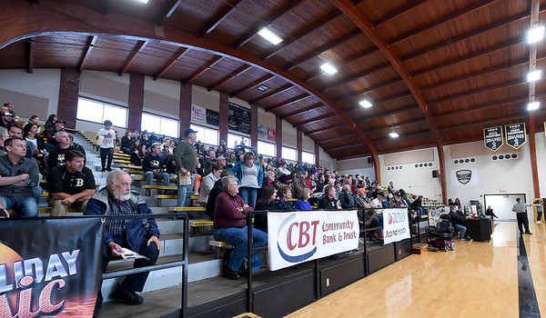 Fans take in a morning game between Lamar and Craigmont High School (Memphis, Tenn.) during the 2018 Neosho Holiday Classic on Thursday at NHS. <br /> Globe | Laurie Sisk