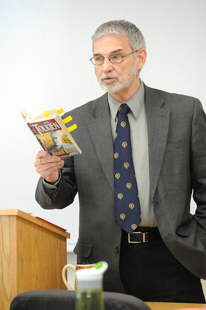 Missouri Southern professor Dale Simpson discusses J.R. Tolkien's philosphy of art during a lecture Tuesday during his ENG 371 class: Tolkien.<br /> Globe | Laurie Sisk