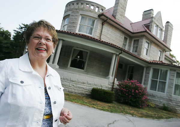 Globe/Roger Nomer<br /> Karen Colaw Herzog talks about the history of the Phelps House in Carthage on Tuesday.