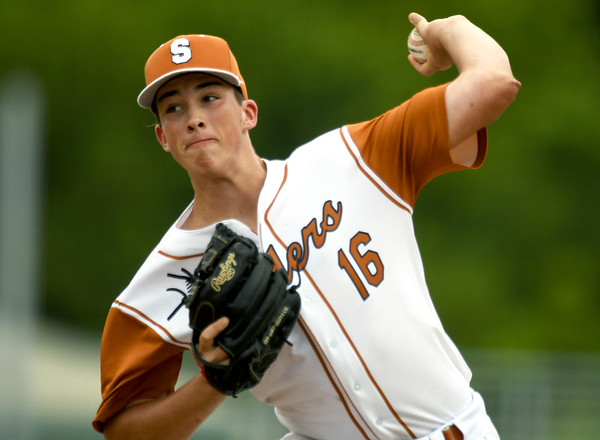 South Texas Sliders starter Eric Wellman throws from the mound during the first day of action in the 2017 Premier Baseball Championship on Wednesday at Joe Becker Stadium. The tournament continues through Sunday at eight venues including Joplin, Baxter Springs, Pittsburg, and Miami.<br /> Globe | Laurie Sisk