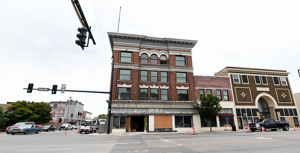 Construction continues on the Block 22 project at the old Crowell's Pharmacy on Thursday in downtown Pittsburg.<br /> Globe | Laurie Sisk