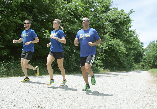 Globe/Roger Nomer<br /> (from left) Nathan Sicher, Ashleigh Beyersdorfer and Shaun Steele will participate in the One Run Boston relay.