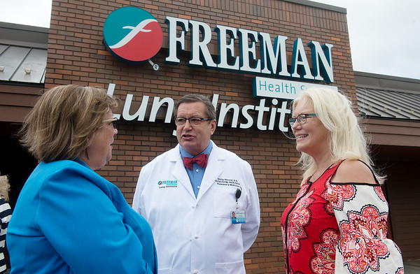 Globe/Roger Nomer<br /> Elaine Joines, left, talks with Philip, Freeman pulmonologist, and Sandy Slocum on Tuesday following the ribbon cutting at the Freeman Lung Institute.