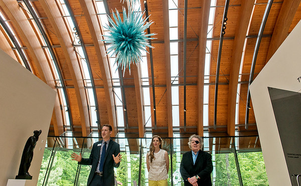 Globe/Roger Nomer<br /> Rod Bigelow, executive director of Crystal Bridges, and Leslie and Dale Chihuly talk with media on May 26 about Chihuly's Azure Icicle Chandelier.