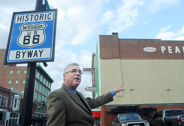 Globe/Roger Nomer<br /> Paul Whitehill talks about his plans for a Route 66 themed mural at Seventh and Joplin on Monday afternoon.