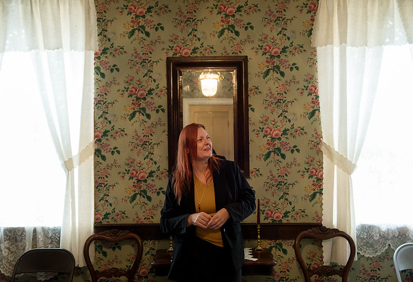 Globe/Roger Nomer<br /> Lisa Livingston-Martin gives a tour of the Kendrick House in Carthage on Monday.