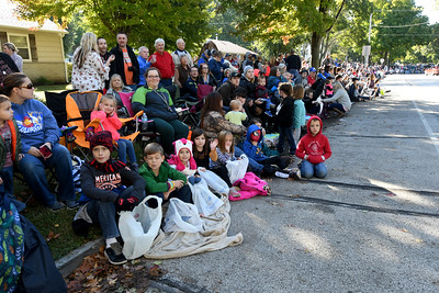 A large crowd begins to gather before the start of the Maple Leaf Parade on Saturday in Carthage. Globe | Laurie Sisk