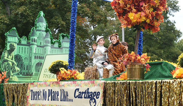 An SMB Wizard of Oz themed float captures the artistic acheivement award during the 53rd Annual Maple Leaf Parade in Carthage on Saturday.<br /> Globe | Laurie Sisk
