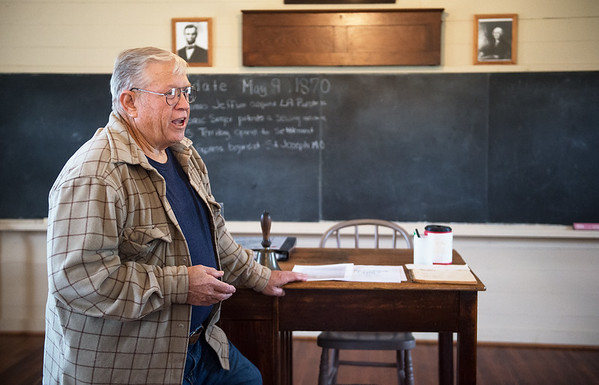Joe Yokley talks about the history of the Shiloh Schoolhouse in Liberal on Wednesday.<br /> Globe   Roger Nomer
