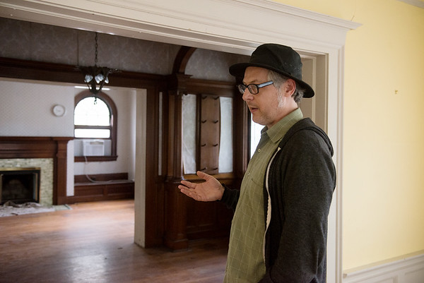 Globe/Roger Nomer<br /> Michael Englebert Griffin talks about the interior of the Rogers House during a tour on Wednesday.