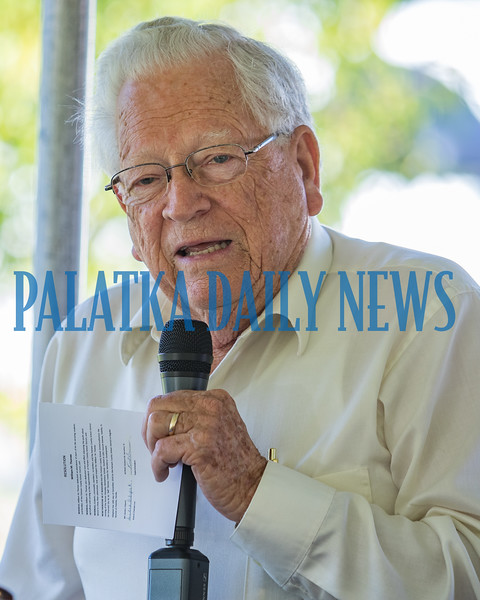 Former school board superintendent C. L. Overturf, Jr. talks about Bill Thomas at the ceremony for the naming of the William M. Thomas Workforce Center on Husson Avenue Tuesday morning. Fran Ruchalski/Palatka Daily News