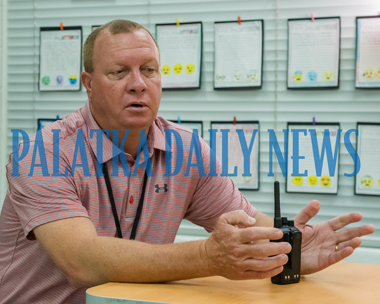 Kelley Smith Elementary School principal Mike Tucker talks about the weekly visit of a food truck so parents can have lunch with their children on campus. Fran Ruchalski/Palatka Daily News