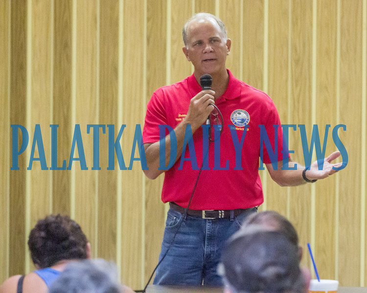 State representative Bobby Payne talks about the future of hemp production and introduces the speaker for the workshop on growing hemp as a crop, Holly Bell, State of the Florida Dept. of Agriculture. Fran Ruchalski/Palatka Daily News