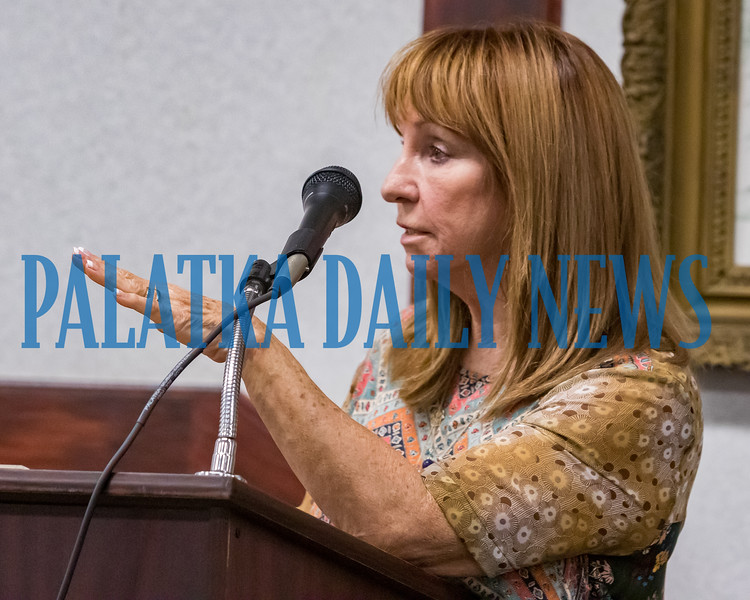 Patti Vogt speaks about her concerns with the current plan to move city hall out of downtown. Fran Ruchalski/Palatka Daily News