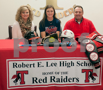 lady-raiders-pitcher-signs-with-hill-college