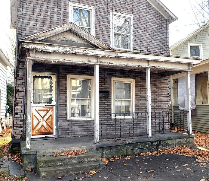 J.S.CARRAS - JCARRAS@DIGITALFIRSTMEDIA.COM  Real Estate transaction 62 Van Dam Street Thursday, November 20, 2014 in Saratoga Springs, N.Y..