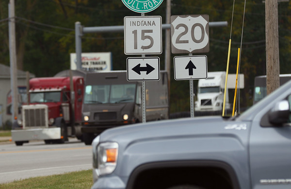 JAY YOUNG | THE GOSHEN NEWS<br /> Vehicles wait at the intersection of S.R. 15 and U.S. 20 Thursday morning.