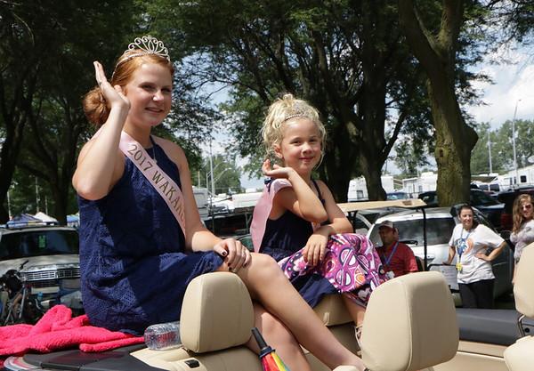 STACEY DIAMOND | THE GOSHEN NEWS<br /> Wakarusa Maple Syrup Festival Queen Paige Henschen, 14, of Wakarusa, and Wakarusa Maple Syrup Festival Sweetheart Olivia Greenlee, 6, of Goshen