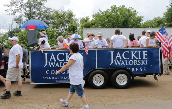 STACEY DIAMOND | THE GOSHEN NEWS<br /> Jackie Walorski supporters march in the parade.