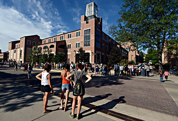 """People wait in line to hear President Barack Obama speak on Norlin Quad at the University of Colorado in Boulder on Sunday, Sept. 2, 2012.  For more photos and videos visit  <a href=""""http://www.DailyCamera.com"""">http://www.DailyCamera.com</a>.<br /> (Greg Lindstrom/Times-Call)"""