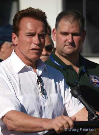 Sayre Fire press conference with Governor Arnold Schwarzenegger and Mayor Antonio Villaraigosa, Nov 16, 2008.