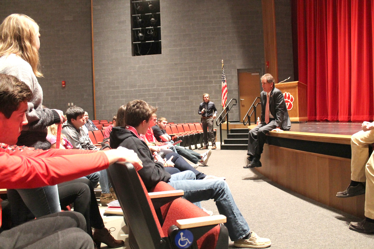 LAWRENCE PANTAGES / GAZETTE U.S. Rep. Jim Renacci (R-Wadsworth) gestures during a presentation he made Friday to students at Wadsworth High School. Renacci spoke about his career path in business before going into elective politics and then took a variety of questions in town hall fashion on current issues and topics.