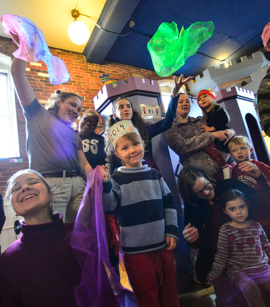KRISTOPHER RADDER — BRATTLEBORO REFORMER<br /> Asa Ellis-Bigelow, 5, of Halifax, Vt., and others ring in the New Year with Bangladesh  at KidsPLAYce, in Brattleboro, on Monday, Dec. 31, 2018.