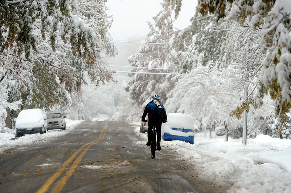 "A snowy scene looking down 9th Street in Boulder.<br /> For more photos of the snow, go to  <a href=""http://www.dailycamera.com"">http://www.dailycamera.com</a>.<br /> Cliff Grassmick / November 2, 2011"