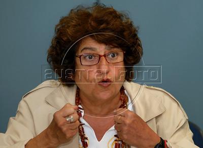Cecilia Coimbra, leader of Brazilian human rights group 'Tortura nunca mais' speaks with journalists during a press conference at ACIE (Associacao Correspondentes da Imprensa Extrangeira) Association of Foreign Press Correspondents, Rio de Janeiro, Brazil, July 15, 2009.  (Austral Foto/Renzo Gostoli)